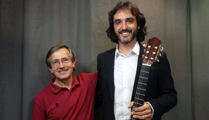 Entrevista Diario Crítico. Nos sumergimos en los 'Aromas de Guitarra' de Toni Cotolí – 30/07/2015