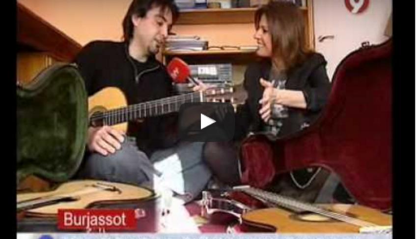 "Programa ""En Conexiò"" de Canal 9. Control de Calidad de Guitarras – 11/04/2011"